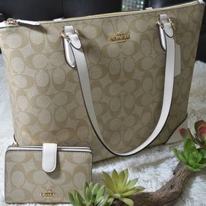 Zip Top Tote with Matching Wallet